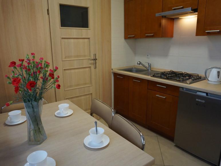 Apartament 4 osobowy z aneksem i łazienką