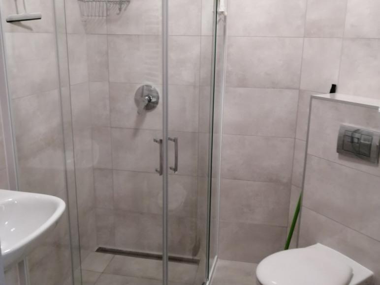 łazienka w pokoju 1 osobowym