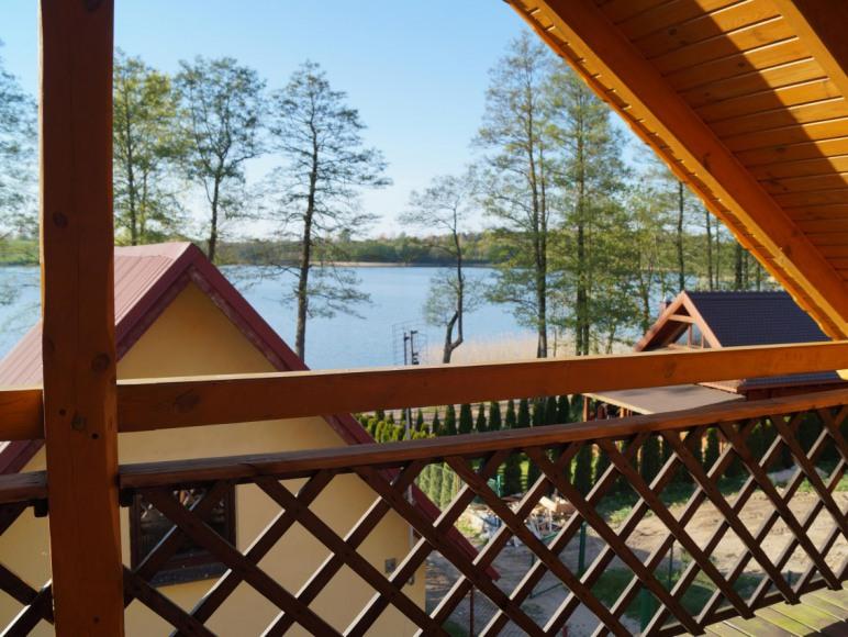 Domek nad jeziorem u Eli