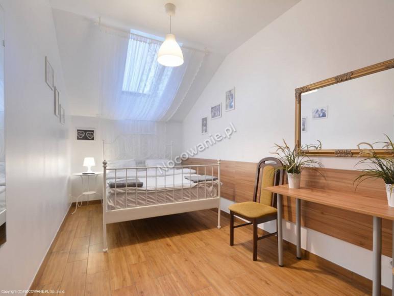 Pokój 1,2 osobowy z łazienką