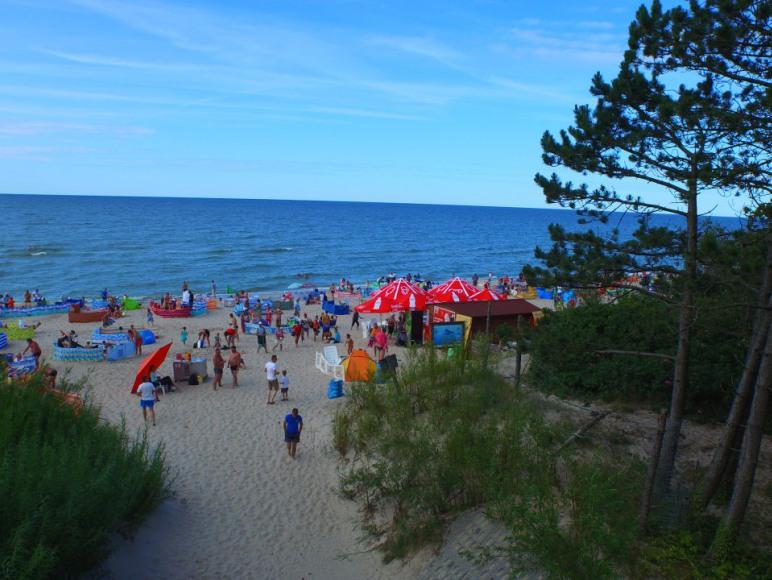 łagodne wejście na plażę