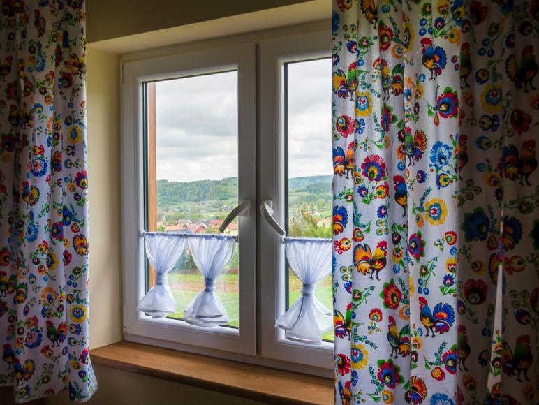okno w sypialni