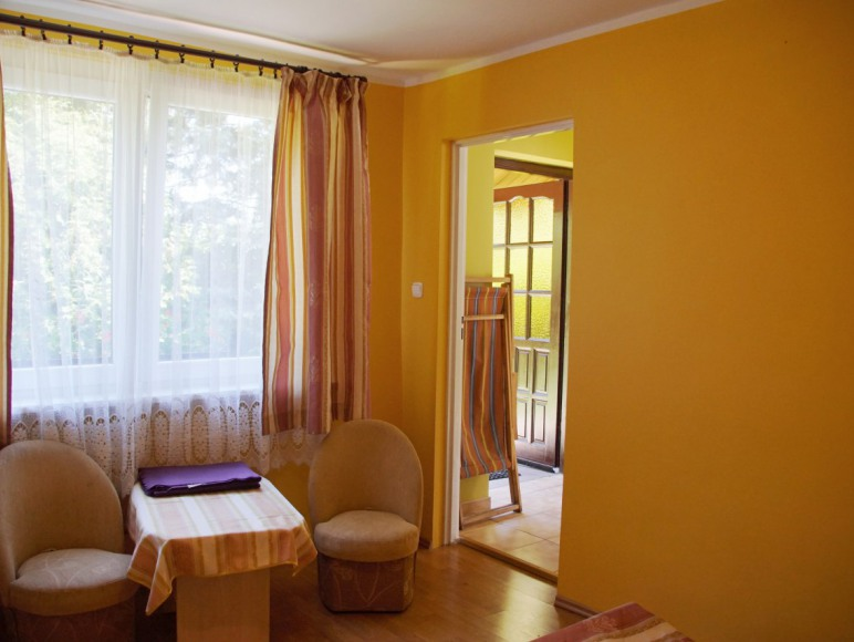 domek nr 2 - wejście, pokój wrzosowy