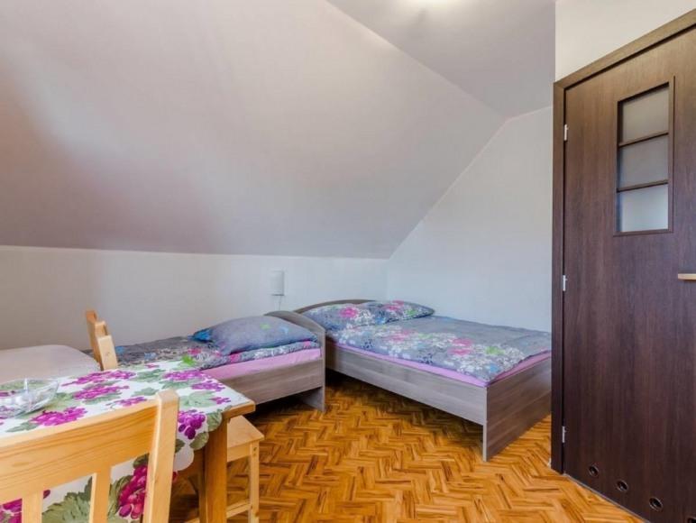 Pokój nr 5 z łazienką i tarasem