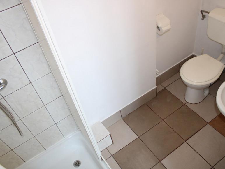 pokoj 1 osob -nr 5- łazienka