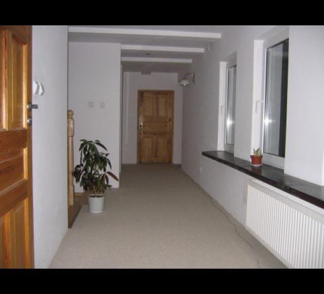 korytarz na poziomie pokoi