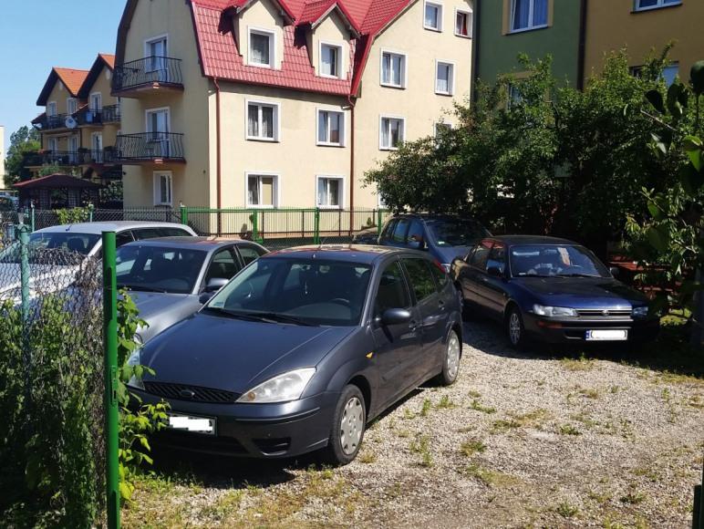 Parking na terenie posesji