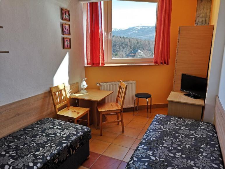 studio z balkonem