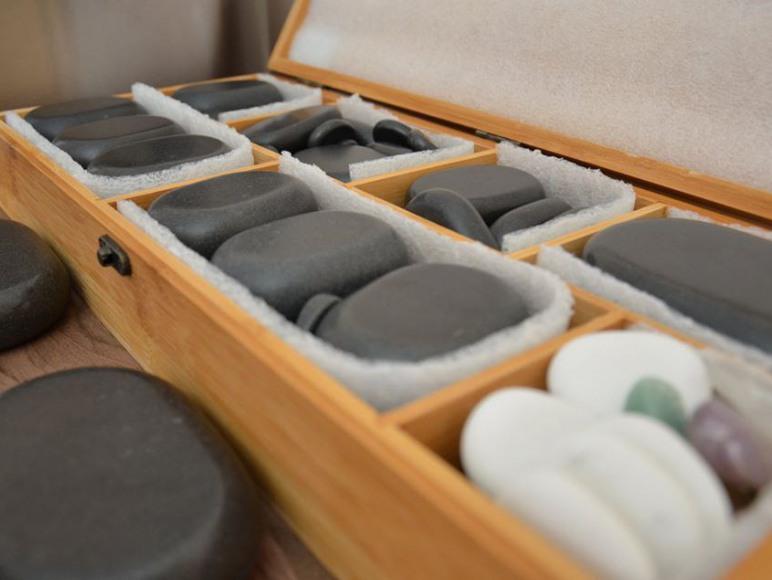 Zestaw do masażu gorącymi kamieniami