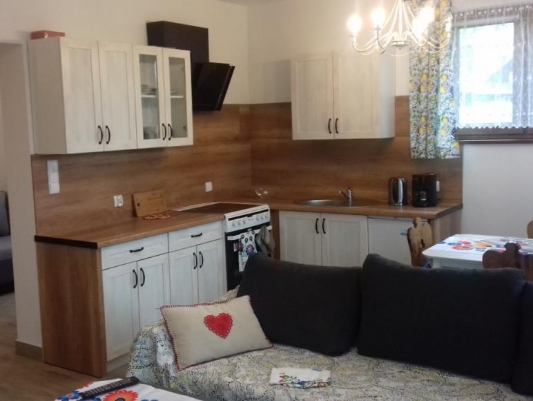 Apartament z wanną i kominkiem