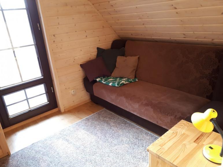 sypialnia z balkonem w domku1