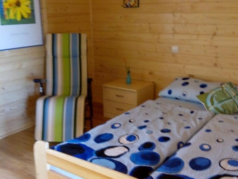 Sypialnia w domku nr. 4 dla 2 osób