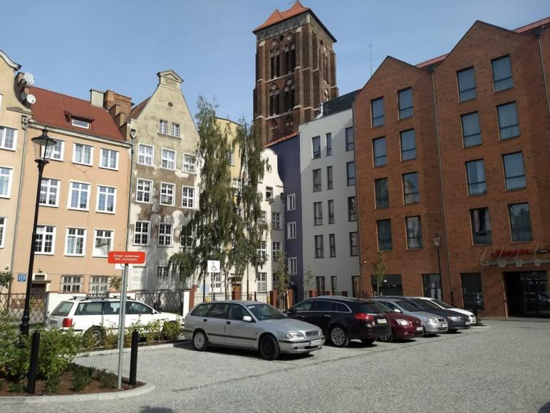Apartament Piwna wejście do budynku