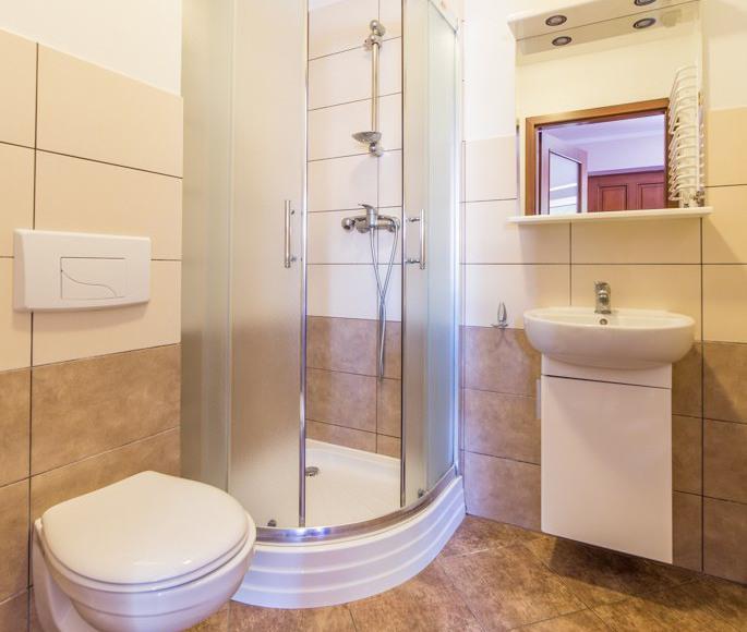 Łazienka w pokojach w budynku A