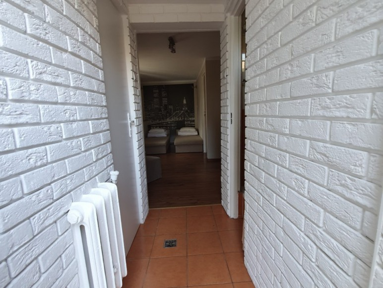 pokój z łazienką i oddzielnym wejściem