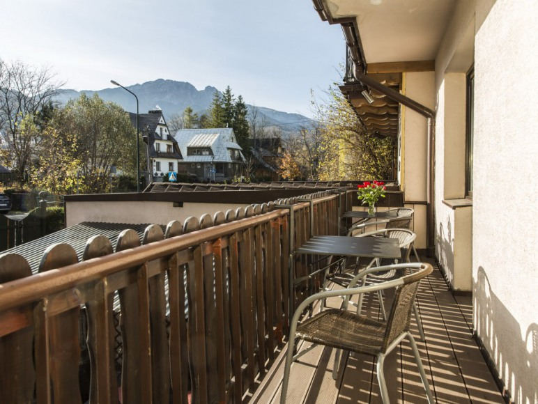 balkon i widok z pokoju nr 5