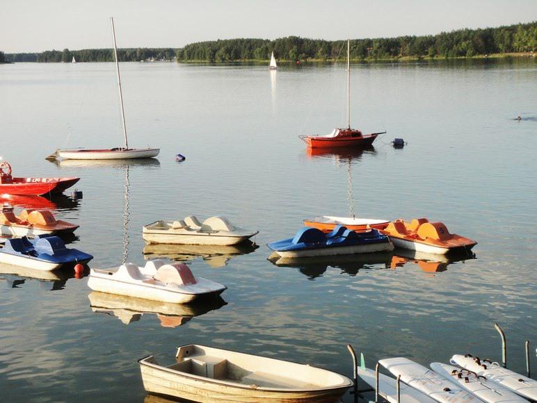 Wypożyczalnia sprzętu wodnego: żaglówki, łodzie, rowery, kajaki