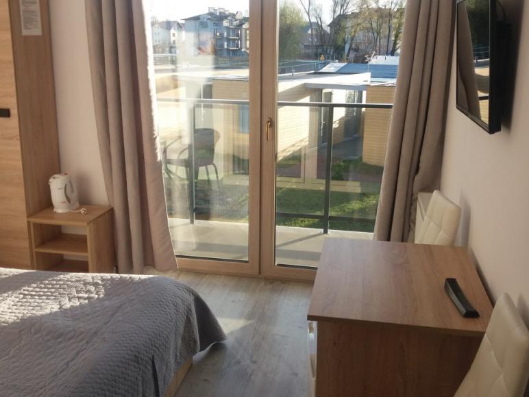 Mały pokój 2 os. z balkonem,łazienka