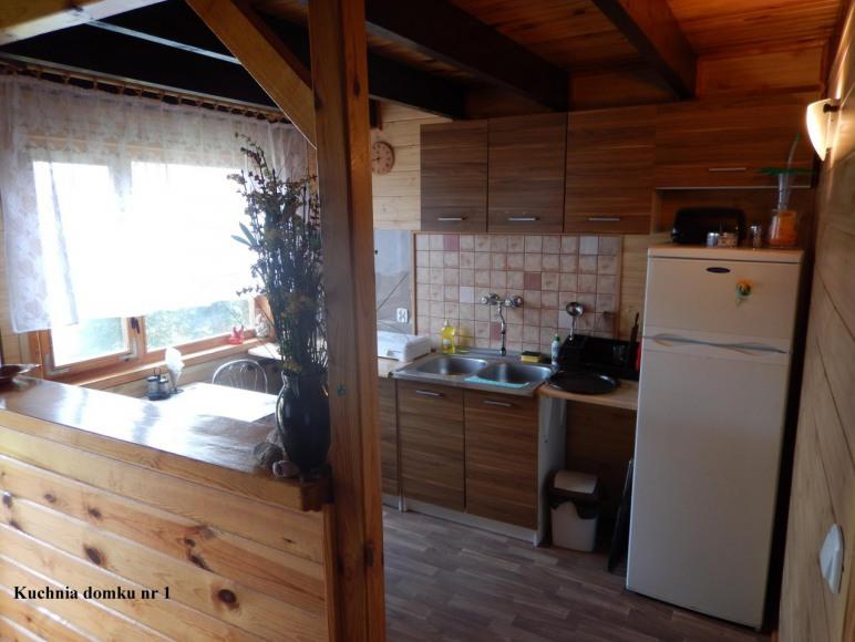 Domek nr 1 kuchnia z wyposażeniem