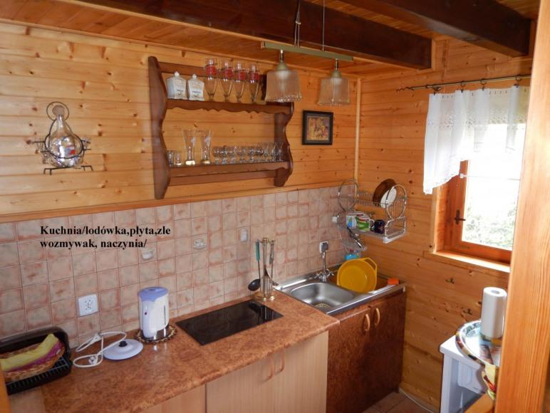 Domek nr 2 kuchnia z wyposażeniem