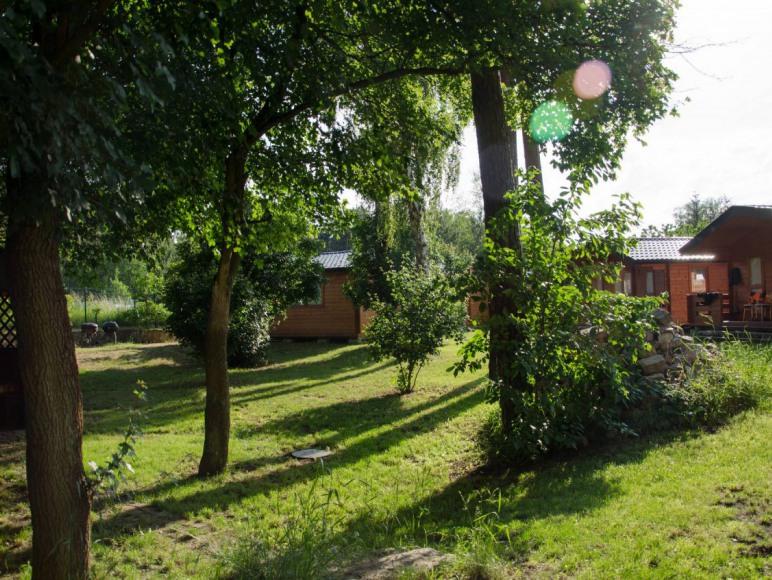 Teren wokół domków