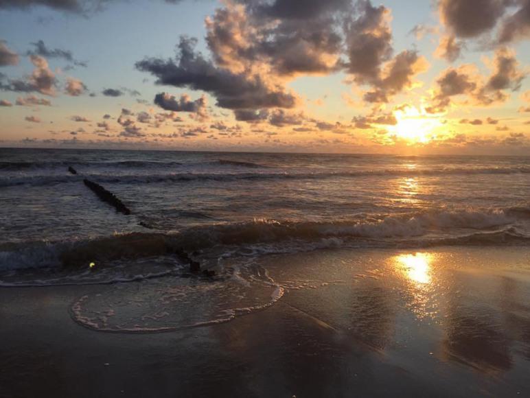 Wschód słońca od strony Półwyspu Helskiego.
