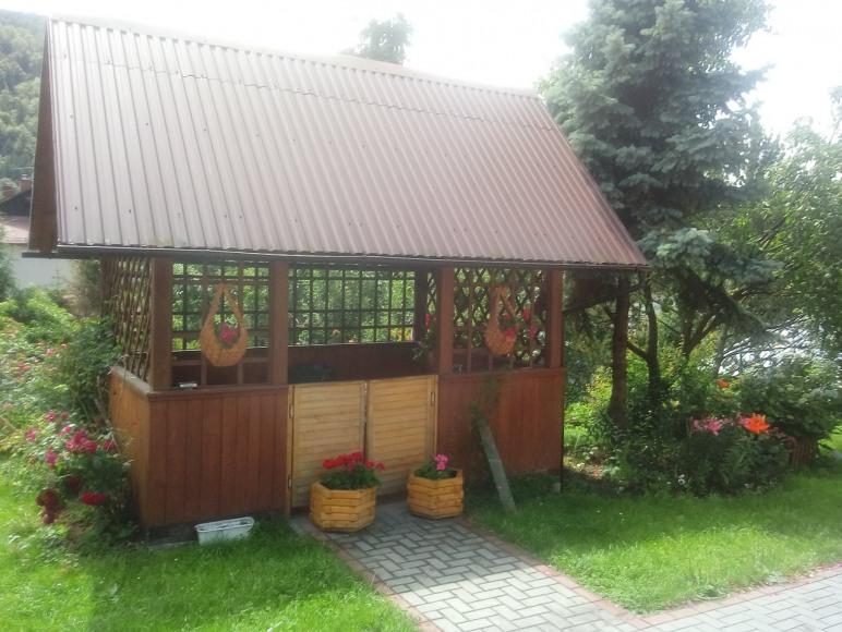 Altanka na podwórku