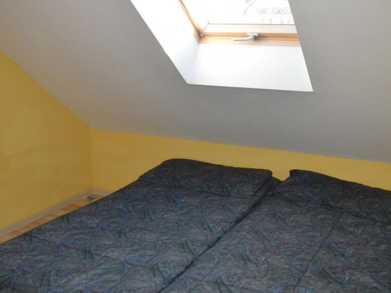 Pokój ośmioosobowy- oddzielona sypialnia