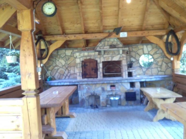 altana z grillem i wędzarnią
