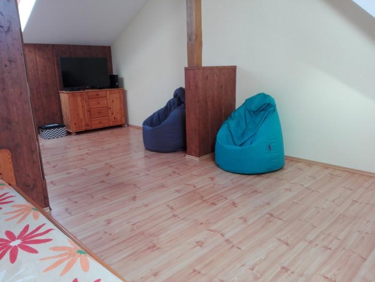 Apartament poddasze 3-4 miejsca noclegowe