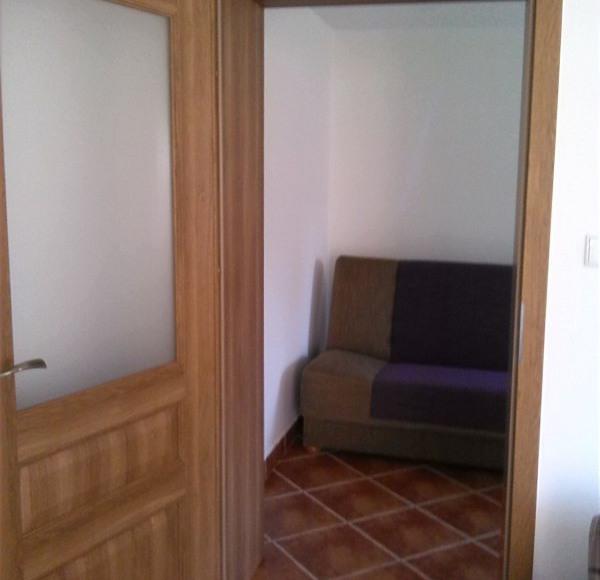 Mniejszy pokój - mieszkanie brązowe