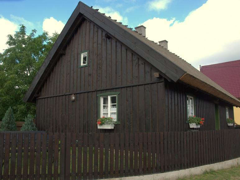 wiekowa chata