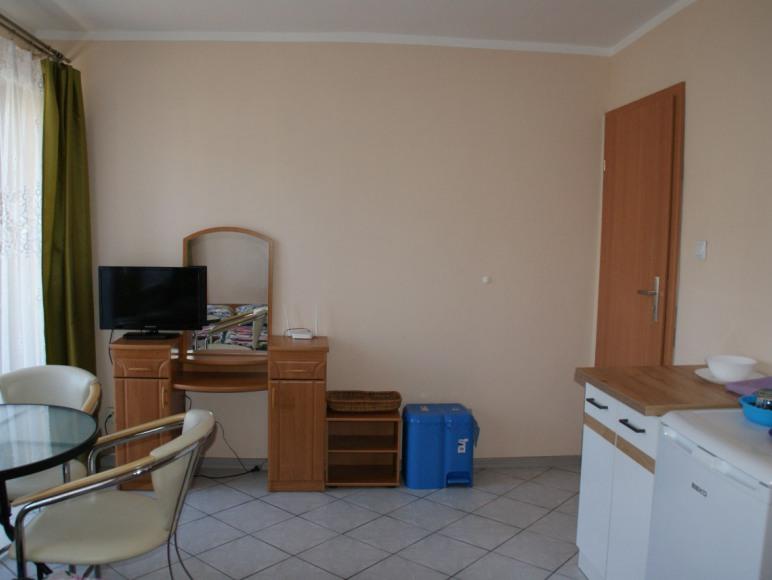 Pokój 2 osobowy nr 2 z łazienką, balkonem, aneksem