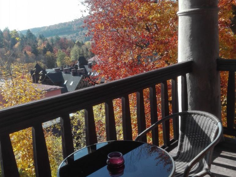 balkon przy salonie/jadalni