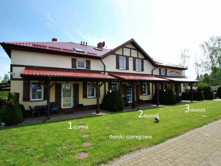 3 domki w szeregu