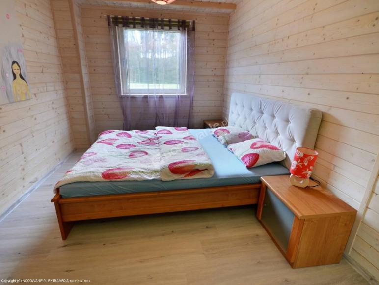 sypialnia z trzema miejscami do spania