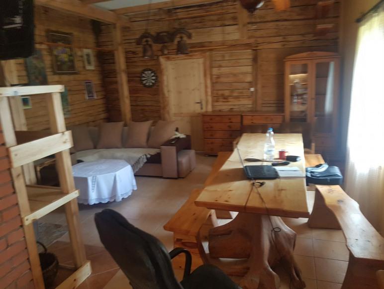 salon i stół biesiadny
