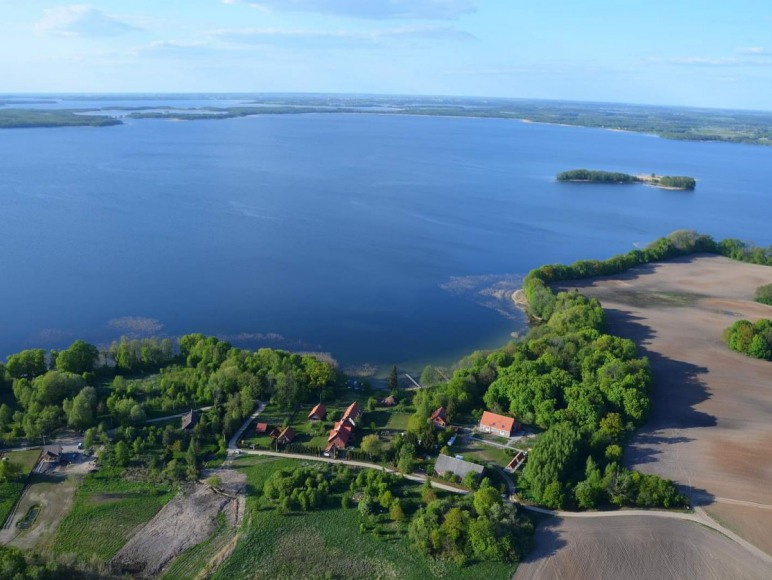 Roganty dom nad jeziorem