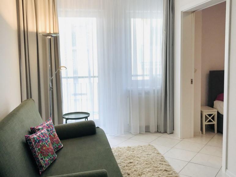 Połączenie salonu z sypialnią
