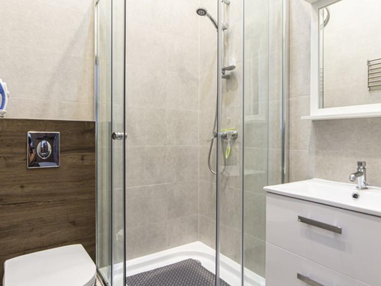 łazienka-pok. z balkonem 8