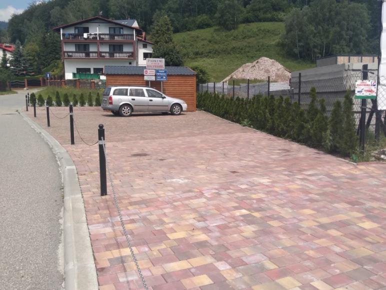 Parking (monitorowany)