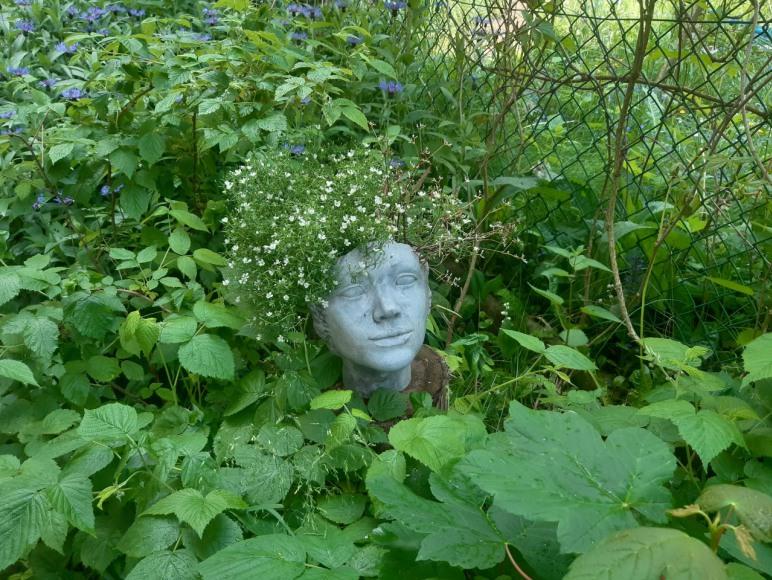 opiekunka ogrodu