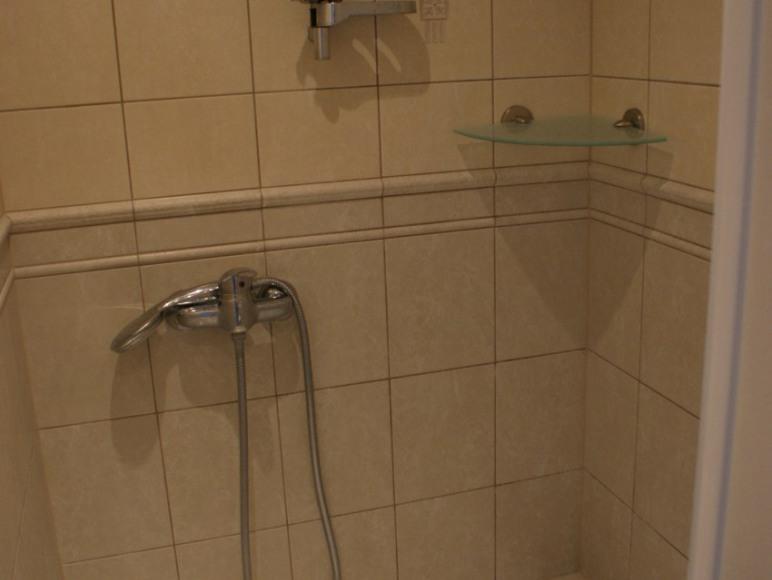 Pokój 3os. z łazienką