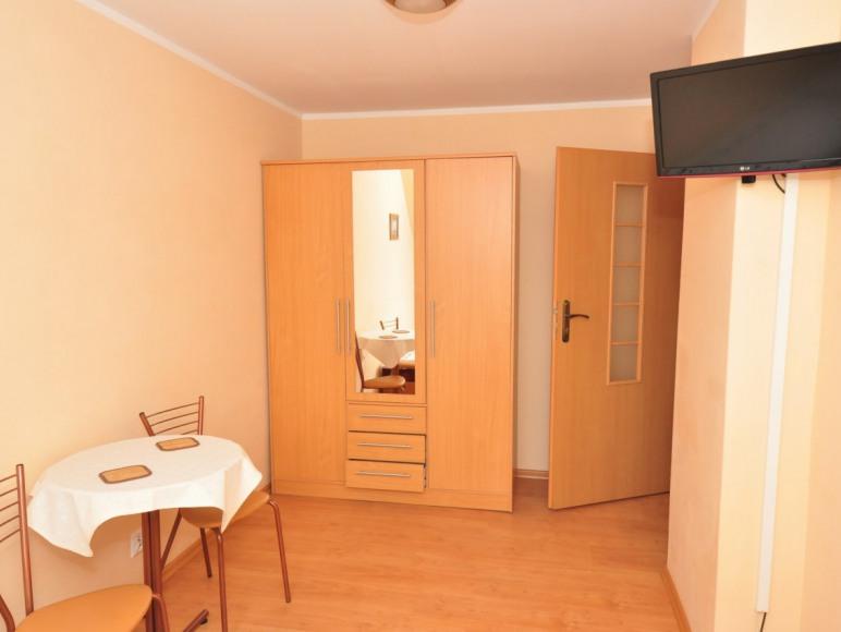 pokój studio (2+2) w pawilonie letnim pomieszczenie 2