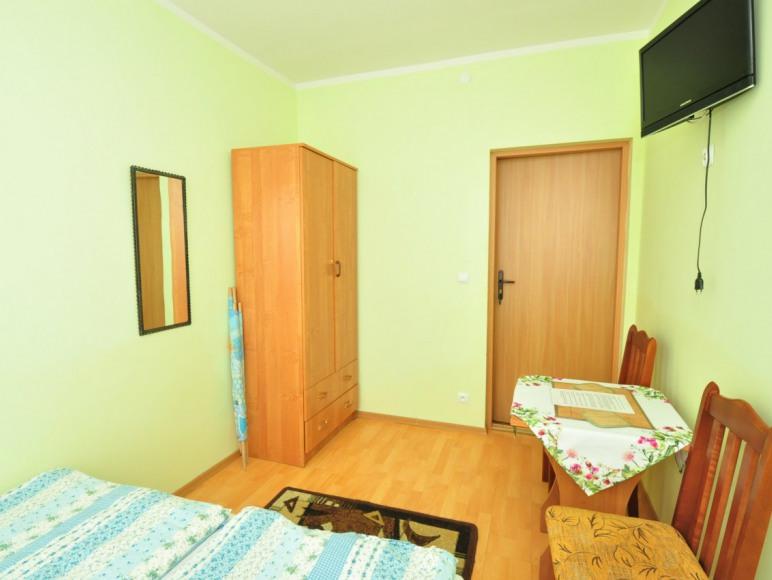 pokój 2 os. w starszym budynku