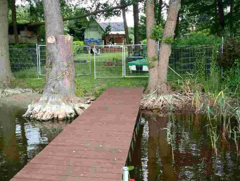 pomost -widok od strony jeziora