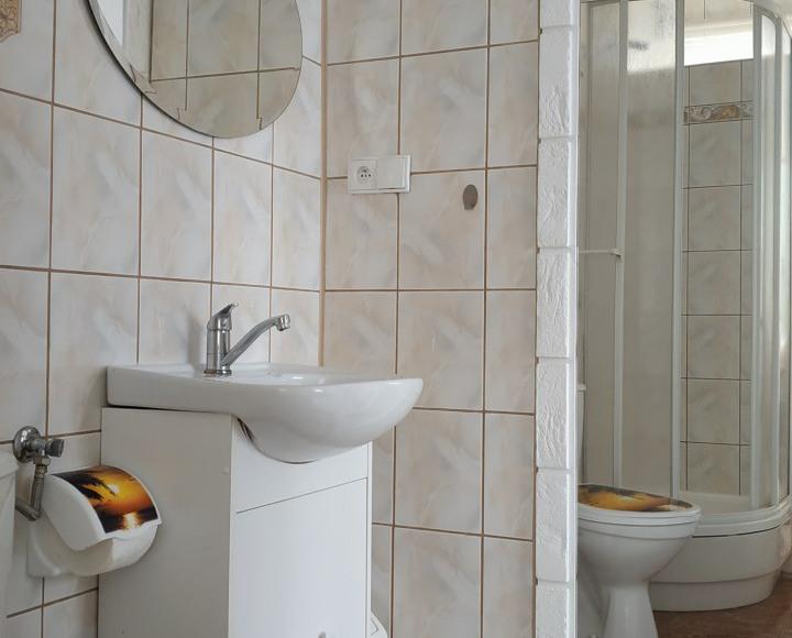 łazienka - pokój w motylach