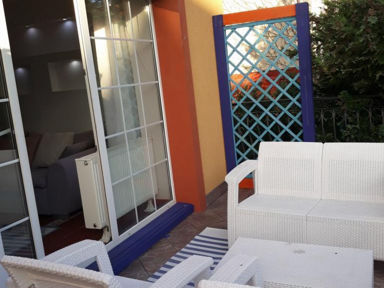 Taras apartament 2 pokojowy od ogrodu