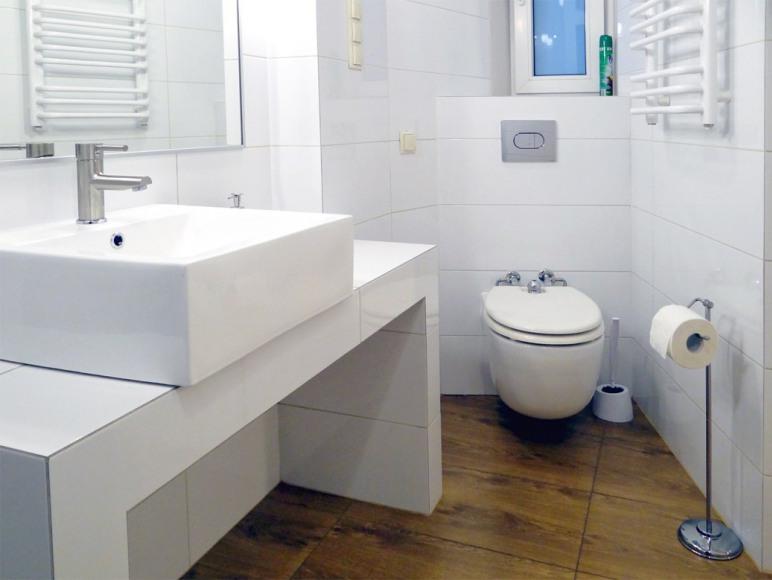 toaleta z deską bidetową