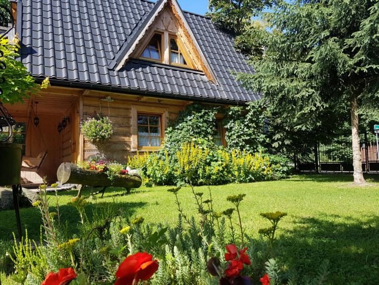 Ogród z domkiem